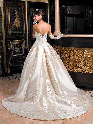 La novia debe ir de blanco